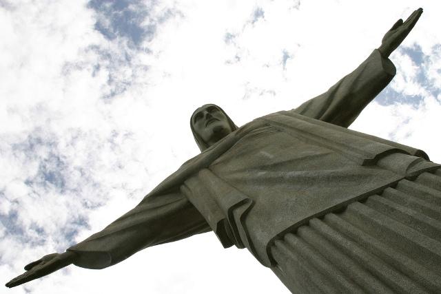 travel-Brazil-Rio-de-Janeiro-Jesus3-iko-photo