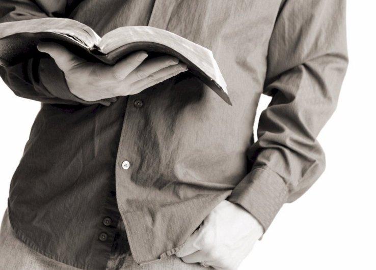 bible-reading-guy