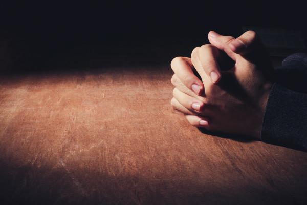 praying-man-hands
